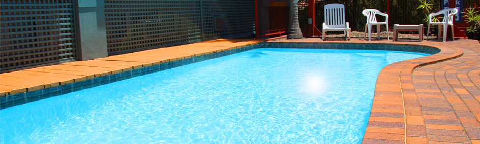 Relax by the pool at Annerley Motor Inn - 3.5 Star Accommodation in Annerley - South Brisbane area